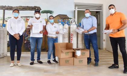 Donan 100 cilindros de oxígeno para afectados por covid en La Guajira