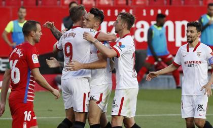 El Sevilla no se rinde en la pelea por el título