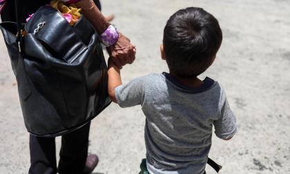 Corte respalda a menor migrante que le fue negada atención en salud