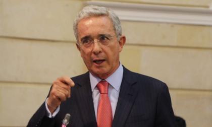 """Uribe pide al Gobierno y los partidos """"acuerden"""" la reforma tributaria"""