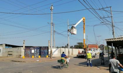 En Plaza del pescado intentaban reconectar servicio de energía ilegalmente