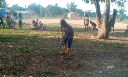 Excombatientes realizan servicio social en sus comunidades