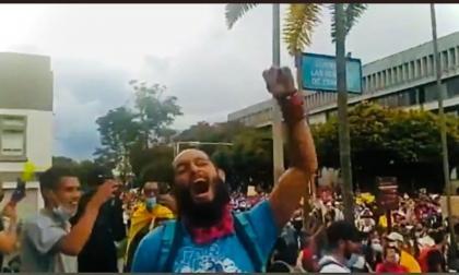 Otra noche violenta en el país: lucha por su vida estudiante en Pereira