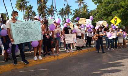 Realizan plantón para pedir justicia por crimen de mujer wayuu
