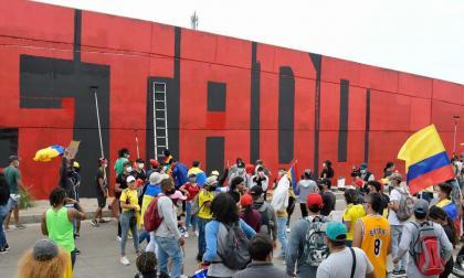Plantón artístico de jovenes en Barranquilla