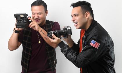 Rafael de Jesús Díaz y Tavo Sumoza posan para 'la foto' de sus vidas