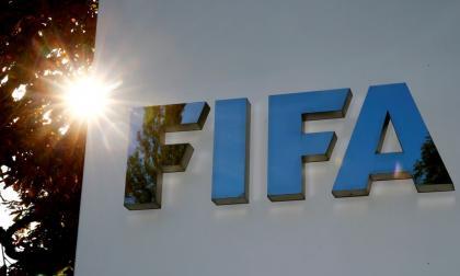 FIFA profundiza en reforma de sistema de traspasos