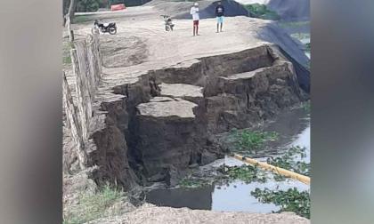 Colapsó otra vez la vía de Salamina hacia El Piñón, en Magdalena