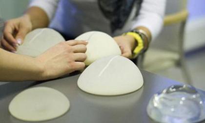 Tribunal francés confirma indemnizaciones por implantes mamarios defectuosos