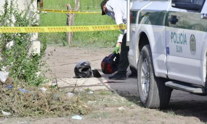 Un muerto, un policía herido y un sicario heridos en balacera en Malambo