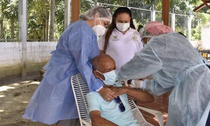 En un 76 por ciento avanza vacunación en Córdoba