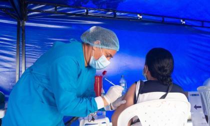 Aceleran la inmunización contra la covid-19 en Sucre