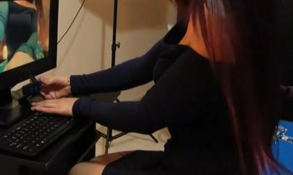 Corte reconoce derechos laborales de modelo webcam embarazada