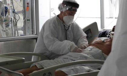 Colombia registra este domingo 20.218 nuevos contagios y 535 muertes por covid