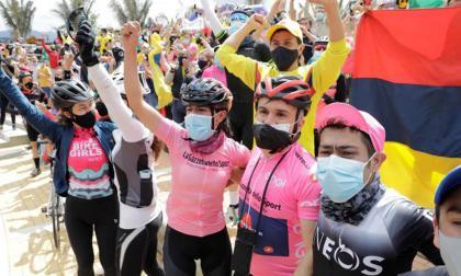 Colombia aparca las diferencias para festejar el triunfo de Bernal en el Giro