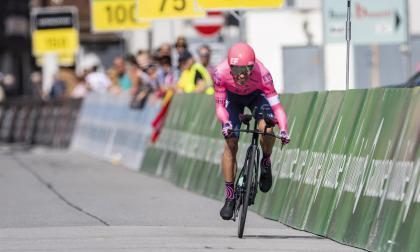 Rigoberto Urán gana la contrarreloj en la Vuelta a Suiza