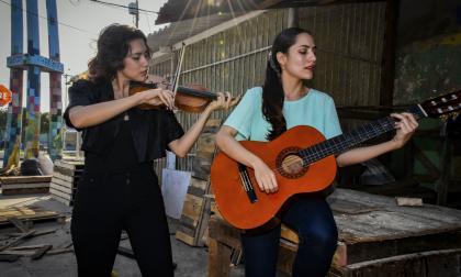 El violín y la guitarra que resuenan en el corazón de Rebolo