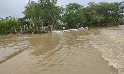 El río Cauca empieza a inundar barrios de Guaranda, Sucre