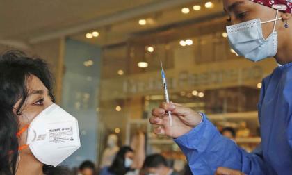 Se abre vacunación contra la covid a personas que están entre 45 y 49 años