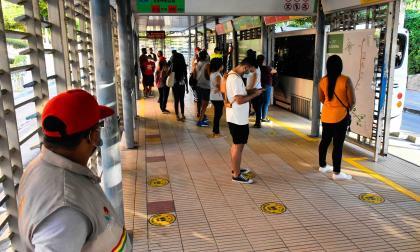 Del bolsillo de los barranquilleros no se sostiene Transmetro: alcalde