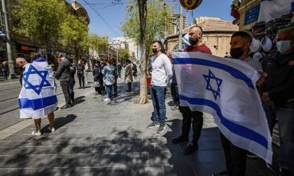 Israel retoma las mascarillas en interiores ante aumento de casos de covid