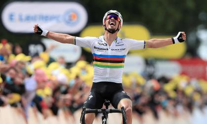 Julian Alaphilippe gana la primera etapa del Tour de Francia 2021