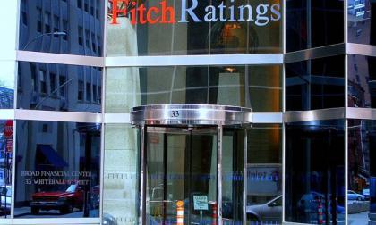 Fitch Ratings revisó la calificación de riesgo de Colombia de BBB- a BB+