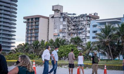 Rescatan otros dos cuerpos de derrumbe de edificio en Miami-Dade
