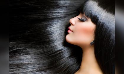 Mascarilla capilar, la solución para tu pelo después de un día en la playa o la piscina