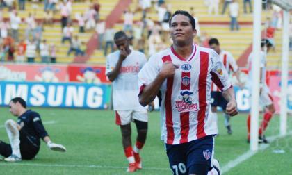 Carlos Bacca acepta oferta de Junior, pero...