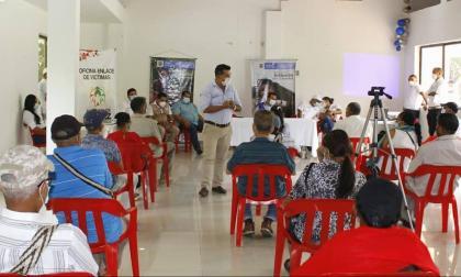 Reparan a 37 víctimas del conflicto en La Paz, Cesar