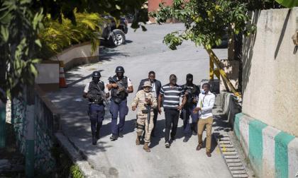 Un juez ordena impedir la salida de Haití de los jefes de seguridad de Moise