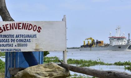 La draga Taccola inició labores en Zona Portuaria de Barranquilla
