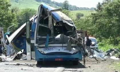 Autobús se accidenta en Brasil: al menos tres muertos y 37 heridos