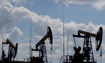 OPEP y sus aliados acuerdan un aumento de producción gradual hasta diciembre Jordi Kuhs