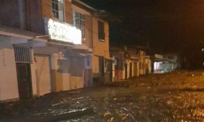 Autoridades evacúan a habitantes de Mocoa por creciente súbita del río Mulato