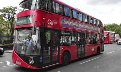 Bolivia: Pasajero se vio obligado a manejar un bus al notar que el chofer estaba ebrio