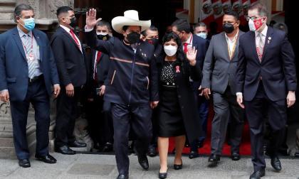 Pedro Castillo es oficialmente el nuevo presidente de Perú