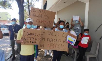 Plantón en Barranquilla por liquidación de EPS Comparta