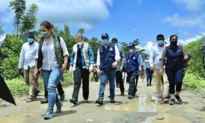 Defensores del pueblo de 4 países, en Necoclí para atender crisis migratoria