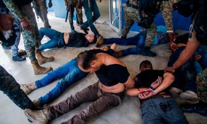 Familiares visitarían a los exmilitares presos en Haití