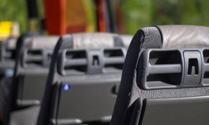"""Joven denunció que conductor de autobús le prohibió subirse por ir """"escotada"""""""