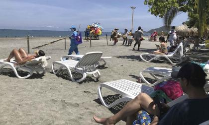 Trazan hoja de ruta para fortalecer cuidado de playas en Santa Marta