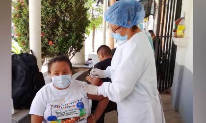 En Sucre aumenta la vacunación y disminuye ocupación de camas de UCI