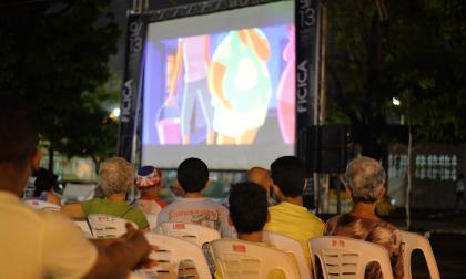 El cine volverá a verse desde barrios y parques
