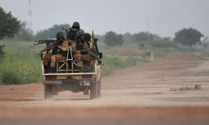 Al menos 30 civiles muertos en un ataque terrorista en Burkina Faso