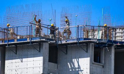 Alza en precios del hierro y el acero pone en riesgo a la construcción de vivienda