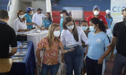 Entregan en Galapa kits de apoyo para Pruebas Saber 11