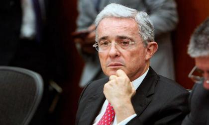 Las reacciones al primer borrador del proyecto de amnistía que propone Uribe