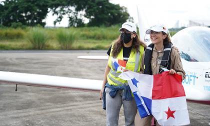 La piloto Zara Rutherford llega a Panamá